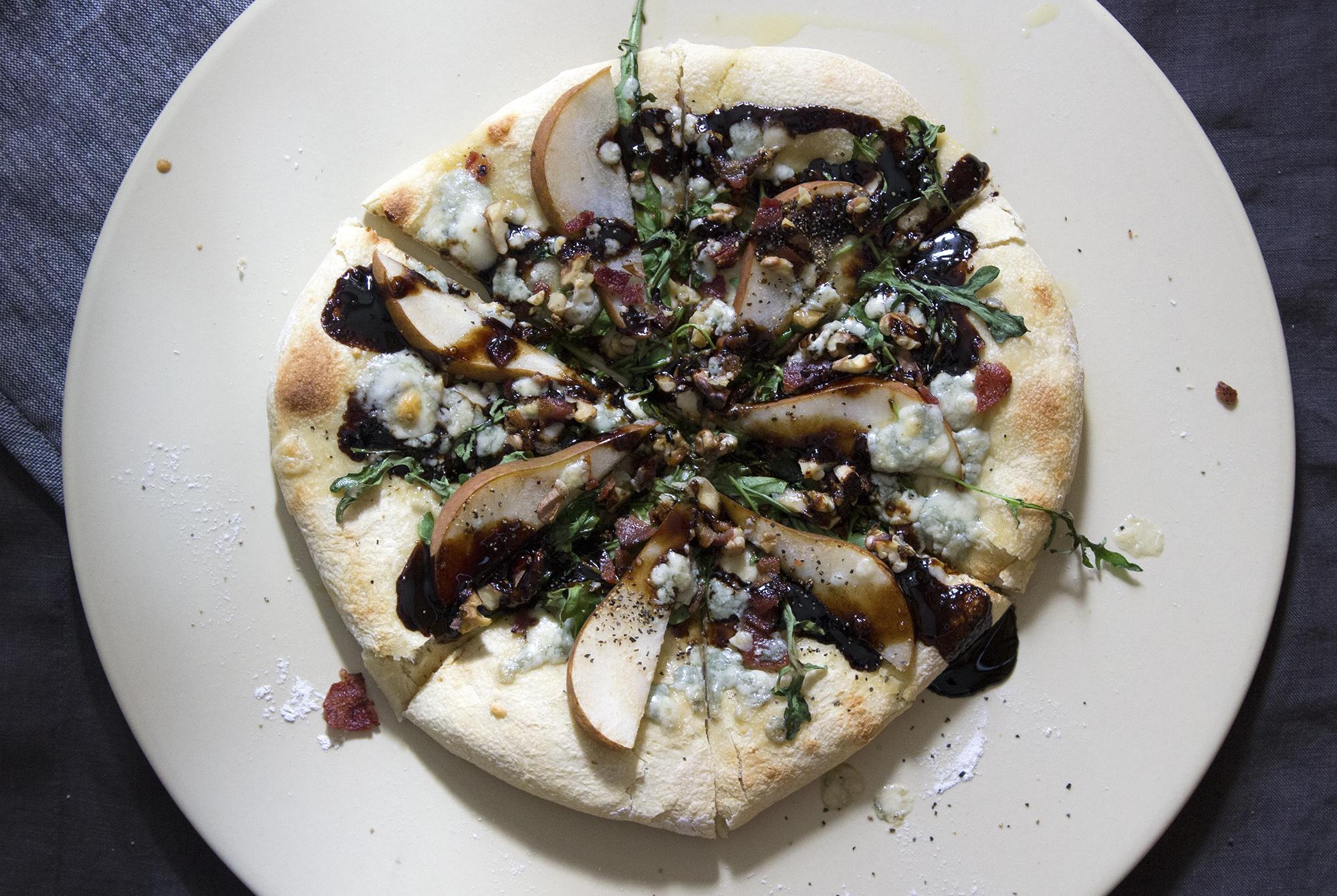pear bacon arugula balsamic glaze gorgonzola pizza